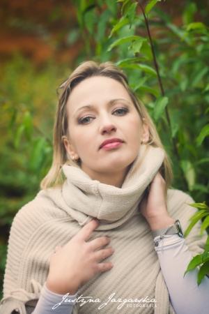 plenerowa kobieca sesja zdjeciowa (42)