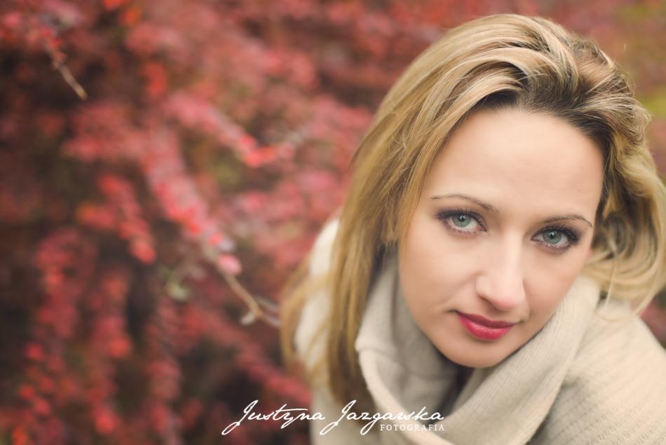kobieca plenerowa sesja zdjęciowa, jesienne portrety, fotografia Gdańsk, Gdynia, Sopot